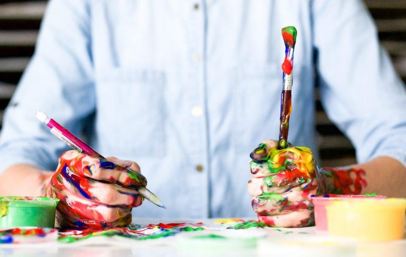 Väriä HR-viestintään ilmaisilla työkaluilla
