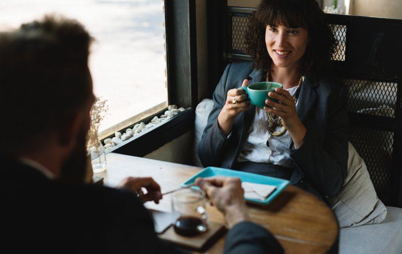 Kolme hakijakokemusvinkkiä – Onnistunut työhaastattelu tukee hyvää hakijakokemusta